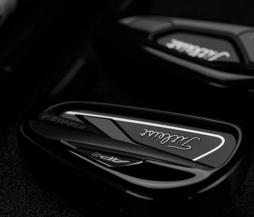 Titleist ra mắt Iron 718 AP2 và AP3 phiên bản màu đen