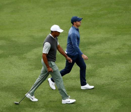 Tiger đánh bại Rory nhưng bị loại đáng tiếc ở vòng tứ kết WGC Dell Matchplay